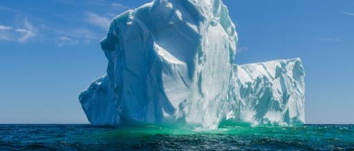 Iceberg, dritto davanti a noi!